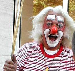 Clown.JPG (20074 Byte)